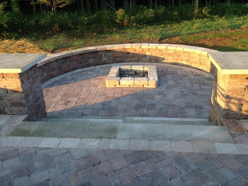 Paver Patio & Seat Wall